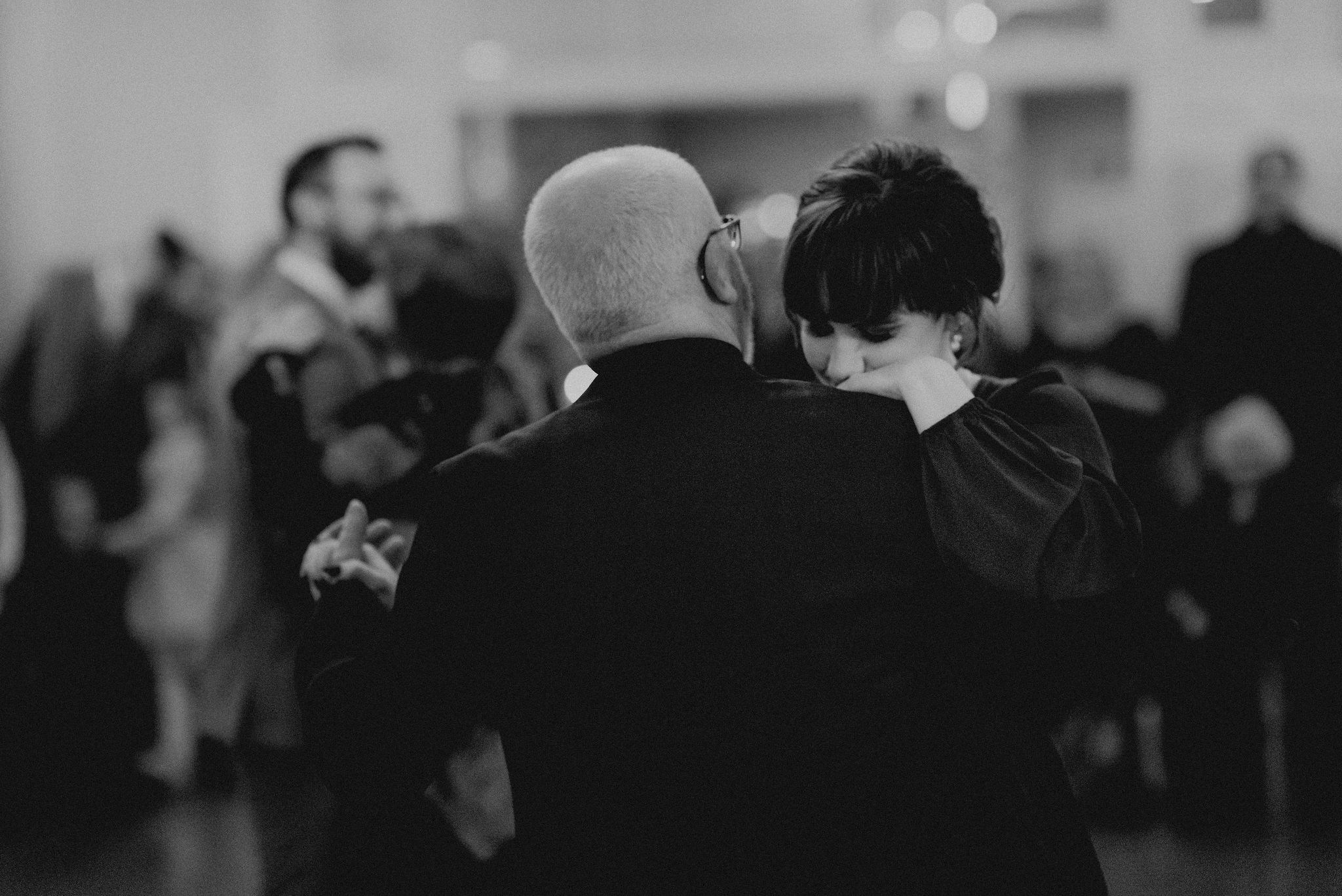 Bride emotionally dances with her father